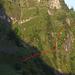 Routenverlauf ab Ahoren.<br />Gepunktet sind die Stelle mit der Leiter und das abschüssige Grasband, welches auf die grosse Grasplangg führt.