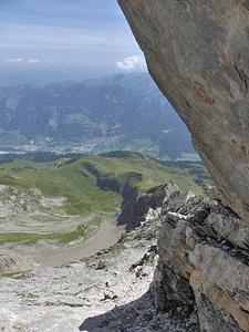 Luggen-Napoleon: Eines der steilen Bänder, die zum Nordgrat des Napoleon führen.