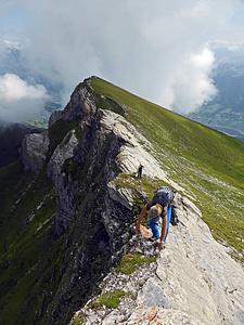 Kraxelspass Nordostgrat des Rossfallenspitz. Blick zum Berger Calanda.