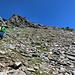 und typisches Gelände im unteren Teil des Gipfels