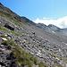 Blick entlang der Crasta Languard, die über den Muot da la Pischa hinüber geht, biz zur Fuorcla Pischa.