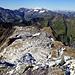 Blick vom Pizolgipfel auf das Plateau des Gilbistocks