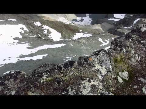 Video zu meinem 10-tägigen Trekking im Gates Of The Arctic NP im August 2014. Das Gebiet befindet sich im hohen Norden von Alaska im Gebirge names Brooks Range.