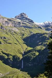 Wasserfall  bei Wärben. Oben der Usser Fürberg.