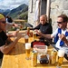 Una meritata bevuta: Amedeo, Renzo, Stefano, [u Floriano]