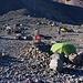 """Das """"Lager 2"""" bei der maroden Hütte ბეთლემის ქოხი (Bet'lemit K'oxi)."""