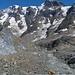 Kalk-Gletscherschliff und Schmelzwasserbach entlang der Tschingelgletscherzunge, hinten Mittaghorn