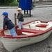 Spielplatz an der Schifflände Flüelen: Wir beginnen mal mit Trockenübungen bis der Raddampfer kommt...