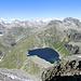 von links: Lago dei Cavagnöö, Lago Bianco und Lago Nero, rechts der Doppelgipfel der Cristallina
