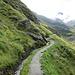 Aufstieg in Richtung der Cabane F.-X. Bagnoud (Panossière). <br />Ein Teil des Pfades führt an der neu angelegten Bisse de Corbrassière entlang