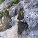 L'acqua ha scavato delle vere e proprie vasche nella roccia calcarea.