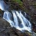 Unzählige Wasserfälle prägen den Aufstieg