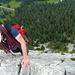 Viel Luft unter den Sohlen im Grataufschwung im E-Grat des Brüggler, ca. 100m vor dem Gipfel