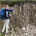 IL geologo non professionista esamina gli scisti