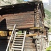 typische frühere walliser Bauweise von Häusern