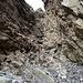 Weiter oben dann grausig viel loses Gestein, hier ist Vorsicht geboten!<br />(Foto vom Abstieg)