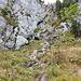 Im Hintergrund der 20-30m lange Kamin. Da geht's hinauf zum Gipfelplateau.