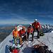 Gipfelfoto und -rast bei Windstille und angenehmen Temperaturen - Was will man mehr?