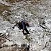 .....Claudio un po smarrito sulle placche rocciose che ci conducono sul filo della cresta