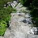 Abstieg von der Alpe d'Arnau - 150 cm breite Steinstufen