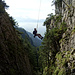 Überhang plus Übermut: Pendeln beim Abseilen