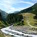 Blick ins Nedertal mit dem Nederbach. Wer zur Martin-Busch-Hütte will und Gipfel wie Finailspitze, Similaun und Hintere Schwärze zum Ziel hat, muß hier hinauf.