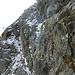 Teil der Querung unter dem Piz Corviglia (auf dem oberen Band, dann durch die Felsen). Ohne Schnee könnte man vielleicht auch etwas weiter unten queren