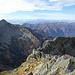 Der Grat auf den letzten Gipfel der VAV - mit Blick auf unzählige Berge