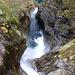 Einer der unzähligen Wasserfälle im wilden Valle di Moleno
