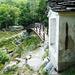 Vor Foroglio - Bildstöckchen und neue Holzbrücke über den Ri di Nassa