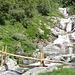 Neu erstellte Holzbrücke zwischen Mella und Malai