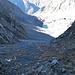 L'evidente ampio canalone che porta al Lago dei Pianei Superiore