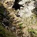 Bach- und Tobelquerungen mit Ketten gesichert - der sensationelle Weg von der Capanna d'Afata nach Cagnago