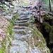 In den Fels gehauene Tritte - Cramosino-Talweg