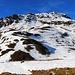 Nachdem ich mich im Winterraum der Chamanna digl Kesch / Keschhütte (2630m) eingerichtet hatte, geht's nun weiter zum Gipfel des Piz Foruns (3052,3m). <br /><br />Ich wählte einen ziemlich direkten Weg auf den Grat den ich etwas rechts des dunklen Felsen erreichte.
