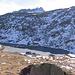 Ecco il Lago Inferiore di Orsirora, completamente ghiacciato tranne dove vi entra il torrente immissario.