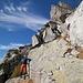 Pronti a sbucare oltre il salto di roccia
