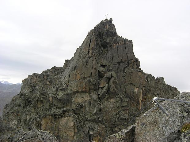 Blick zum Kreuzgipfel der Plamorter Spitze
