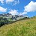 Le prime baite di località Borghetto, sullo sfondo il Pizzo Baldiscio
