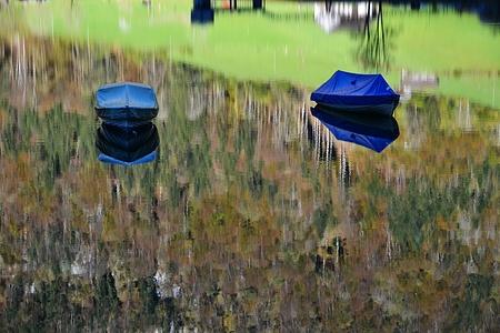Boote in impressionistischem Blätterwald?