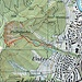 Karte: Der Einstieg findet sich etwas südöstlich der Stelle, wo Bachpfad (gepunktet) und Kretenpfad (ausgezogen) aufeinandertreffen.