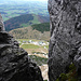 Tiefblick zur Steinlingalm - im Hintergrund der Haindorfer Berg