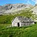 Alpe Cranzünell, Corte di Cima 2040m - Blick gegen SW:  Madonino 2483m und Pizzo della Rossa 2482m.jpg