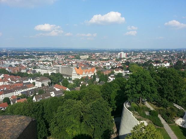 Aussicht auf Bielefeld vom Turm der Sparrenburg