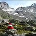 Blick zurück zum Gipfel (links).