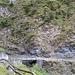 Der alte Saumweg bei Grep Stiafen führt duch ein steinschlaggefährdetes Gebiet und ist darum nicht mehr markiert. Er ist jedoch schöner und kürzer als der Normalweg.