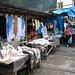 Marktstände in Dombai - typisch der Tscherkessische Filzhut