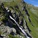 Abstieg neben dem Wasserfall