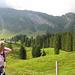 Erste dunkle Wolken über der Gerschnialp (oben rechts Station Trübsee)