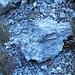 Questo blocco di roccia non dovrebbe stare a terra...